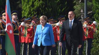 На посещение в Азербайджан Меркел призовава за мир с Армения