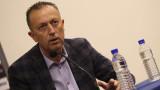 Фурнаджиев: Няма как да се играе футбол по време на извънредно положение