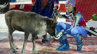 Тина Мазе спечели първия слалом за сезона
