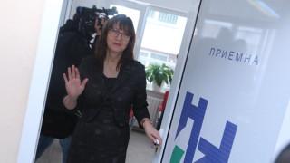 НЗОК уверява - без проблеми при лечението на деца и възрастни в чужбина