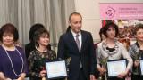 Учителските заплати да се увеличат от 1 октомври иска Янка Такева