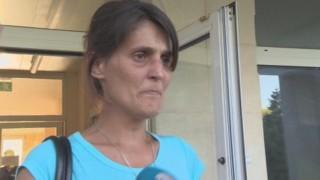 Майка изоставя бебето си с надежда за по-добър живот