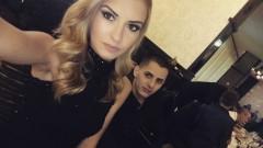 """""""Мис Враца"""" отиде на бал с приятел в инвалидна количка (СНИМКИ)"""