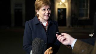 Стърджън иска гаранции за сценарий Брекзит със сделка