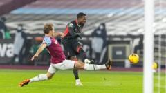 Ливърпул на точка зад Юнайтед след успех срещу Уест Хем