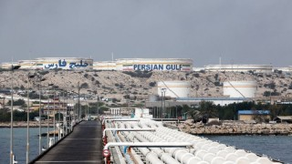 Иран заплаши да блокира износа на петрол от Персийския залив