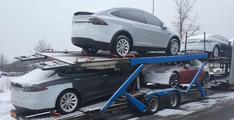 Смачканите Tesla