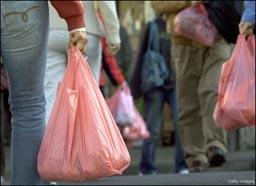 Със 70% спаднало потреблението на найлонови торбички