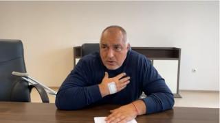 Борисов призова феновете да носят маски на стадионите