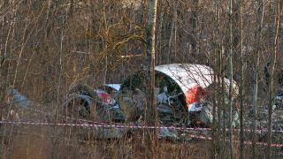 Британски експерти откриха следи от тротил в проби от самолета на Качински