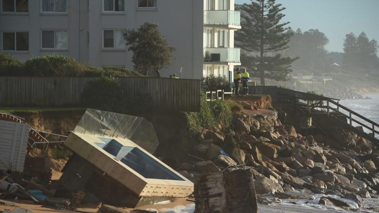 Трима загинали и седем изчезнали в Австралия заради наводнения - News.bg