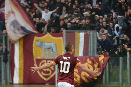 Шест гола, червен картон и един неостаряващ Тоти на Аталанта - Рома (ВИДЕО)