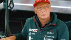 Лауда скочи на ФИА и Ферари