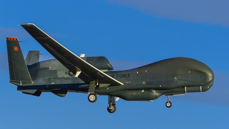 Стратегически безпилотен летателен апарат от ВВС на САЩ RQ-4B Global