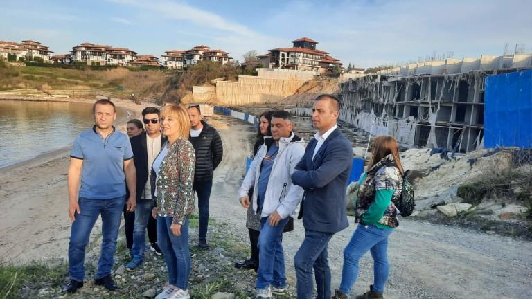 Експертът, подписал разрешението за противоречивата подпорна стена в защитената местност