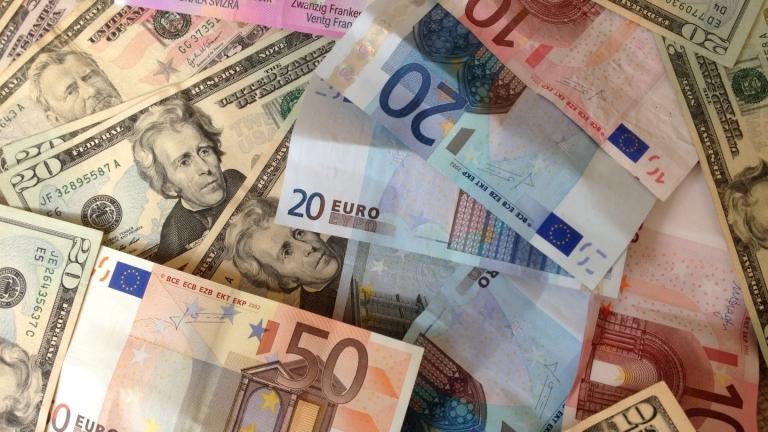 Еврото и доларът без динамика в очакване решенията на ЕЦБ