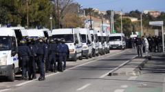 Петима мъже стреляха с калашници в Марсилия