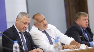 Експерти: Съмнителни са шансовете кабинетът да изкара мандата
