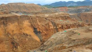 Най-малко 50 души са загинали при срутване на нефритена мина в Мианмар