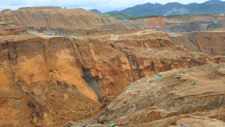 Снимка: Най-малко 50 души са загинали при срутване на нефритена мина в Мианмар