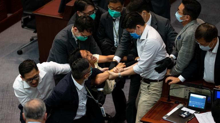 Лидерът на полуавтономния Хонконг Кари Ламобяви, че правата и свободите