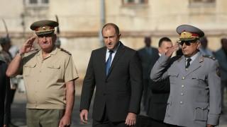Румен Радев: Предлагат да лекуваме армията със самовнушение