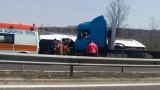 10 минути продължил огледът на колата, блъснала автобуса край Вакарел