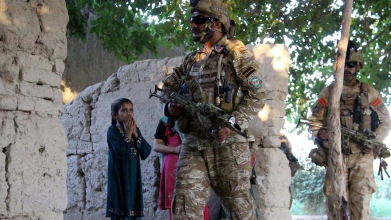 Противопехотна мина уби девет деца на път за училище в Афганистан