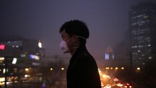 Китаец направи тухла от замърсения въздух