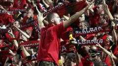 Холандия спечели с късмет в Албания