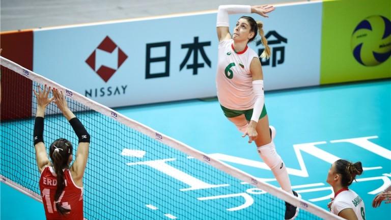 България загуби от Турция с 0-3 на дамския волейболен Мондиал