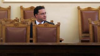 Няма основания за наказание на генералния консул в Одрин, брани го Митов
