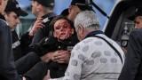 Задържаха хвърлилия бомбата, която рани полицайката по време на ЦСКА - Левски!