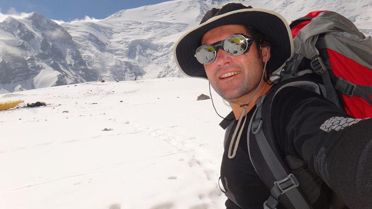 Атанас Скатов изкачи 8200-метров връх в Хималаите