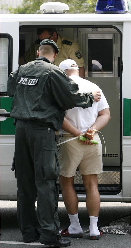 Арестуваха наш в Германия