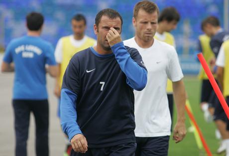 Алекс напуска Левски