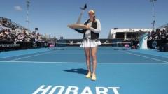 Елена Рибакина победи Шуай Джън на финала в Хобарт.