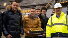 """Ботев (Пд) изненада работниците на """"Колежа"""" с торта"""