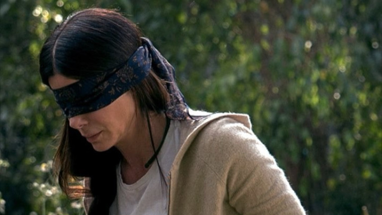 Защо Netflix ще изтрият сцена от Bird Box