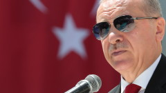 Ердоган обвинява САЩ, Франция и Русия в доставка на оръжия за Армения