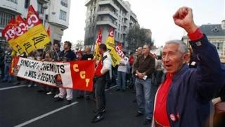 Транспортната стачка във Франция е тест за стабилността на Саркози
