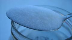 Захарта поевтиня с 10% за година