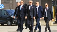 Отбраната ни е гарантирана само в НАТО, обяви Борисов пред Столтенбер