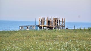 Проверяват строежи в защитена местност край Синеморец