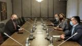 Екатерина Захариева връчи план за действие на Бучковски