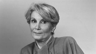 Почина най-прочутата френска сводница, доставяла жени на Кенеди и Кадафи