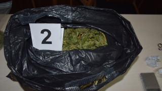 Хванаха марихуана в пощенска пратка от САЩ