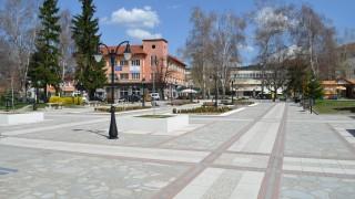 Шест учители в Самоков с положителни проби за COVID-19