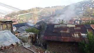 Къща горя в ромската махала в Благоевград
