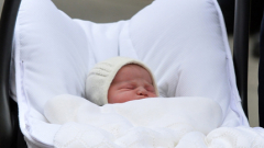 Шарлот Елизабет Даяна се казва новата рожба на Уилям и Кейт